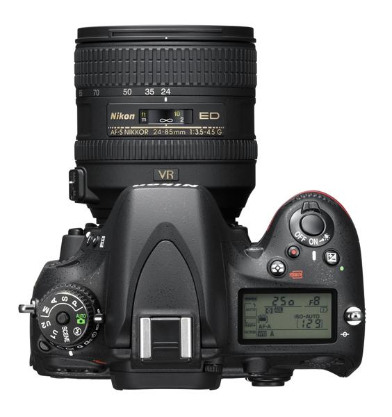 Nikon D610 24-85 VR picture top